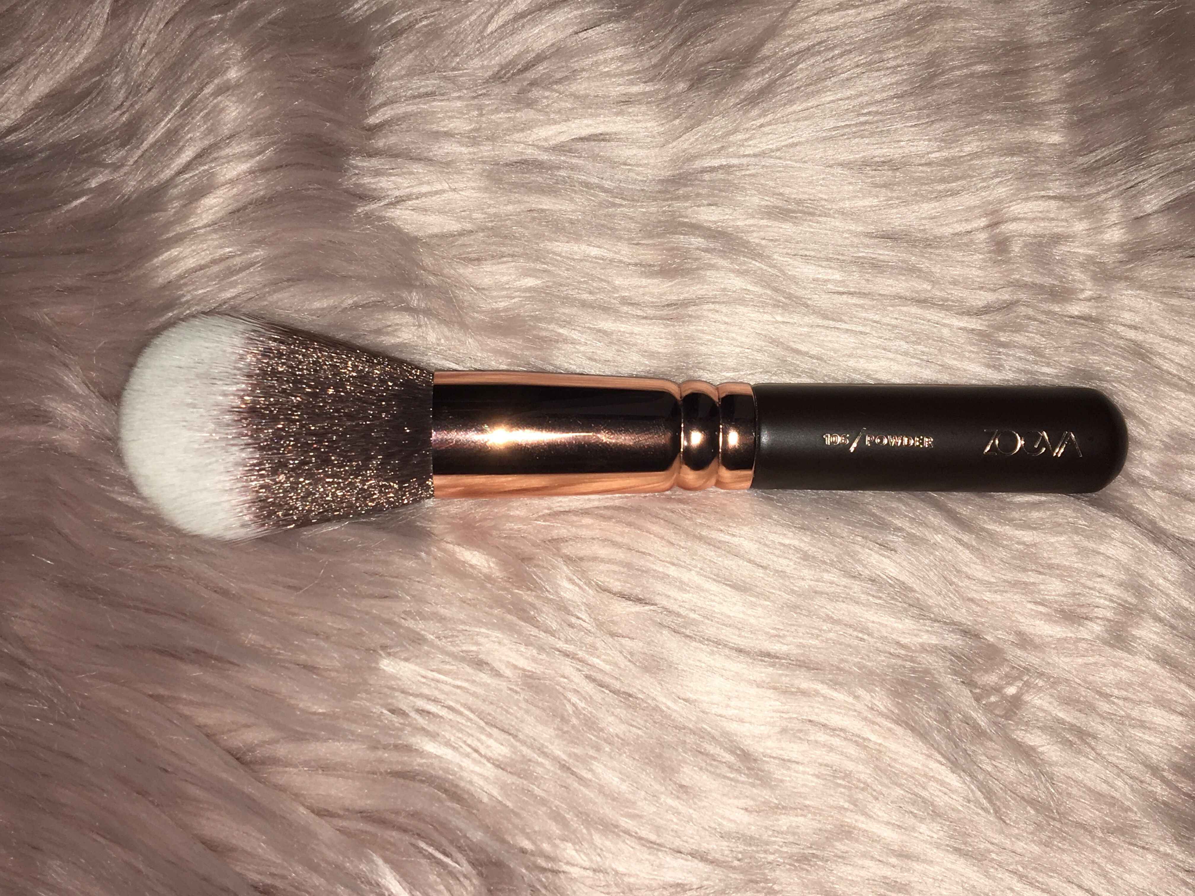 Zoeva Rose Golden Luxury Brush Set Vol1 Review Dark Brown 8 Piece Bursh Bag This Is Supposed To Be A Powder Used Any Liquid Or Cream Products But I Dont Really Like It Picks Up Too Much Product And Does Not Spread